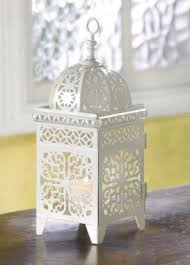lantern wedding centerpieces diy lantern wedding centerpieces outside the box wedding