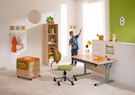 hauteur bureau enfant bureau en érable contemporain à hauteur réglable pour enfant