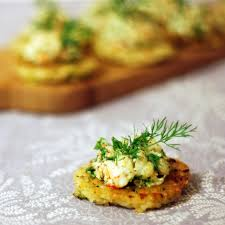 canapes with prawns prawns with dill on fragrant rice cakes chew town food