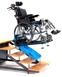 roby in montreal wheelchair powered stair climber en mouvement