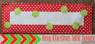 piece n quilt boxy christmas table runner tutorial