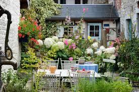 pretty small gardens