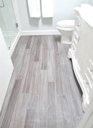 Light Tile With Dark Grout 12 Carrelages De Salle Bain Que Vous Devriez Essayergray Floor