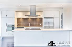 armoire de cuisine moderne armoire de cuisine moderne portes en mélamine lustré comptoir de