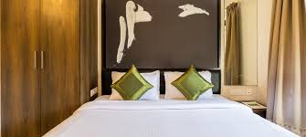 Make Your Bed Like A Hotel Expert Tips To Make Your Bedroom Look Like Hotel Room
