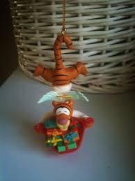disney 32 mickey mouse santa hat present pre lit yard