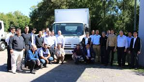 mazda argentina oficial isuzu argentina presentó el camión npr 75 a sus concesionarios