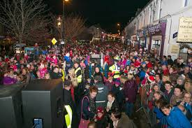 thousands turn out in wicklow for the turning on of the christmas