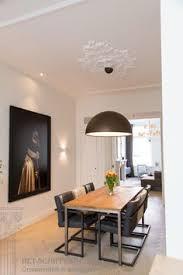hã ngelen wohnzimmer sierlijsten plafond met leeuwen hoeken diverse gips ornamenten