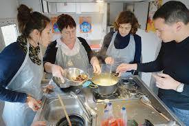 cours de cuisine à bordeaux une cuisine mobile qui redonne le plaisir de manger la croix