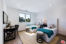 Bella Swan Bedroom Bella Thorne Just Bought A House And We Need To Be Invited Over