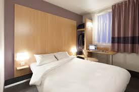 chambre b b hotel les chambres avec un grand lit hôtel b b nantes sébastien