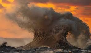 the spectacular rip roaring waves of lake erie u0027s u0027november witch