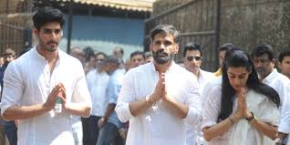 bollywood mourns the loss of suniel shetty u0027s father veerappa