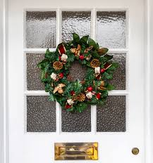 Outdoor Christmas Wreaths by Mix It Up Traditional And Unconventional Holiday Wreaths For All
