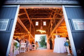 Inexpensive Wedding Venues In Maine Maine Wedding Venues Woman Getting Married