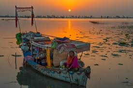 Hous by File A Boat Hous Of Mohana Tribe Pakistan Jpg Wikimedia Commons