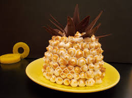 en cuisine avec coco gâteau coco ananas meringué toque de choc