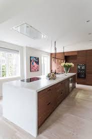 ilot cuisine bois design interieur ilot cuisine bois blanc rangements bois plancher