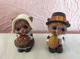 hallmark thanksgiving squirrel salt and pepper shaker set plastic