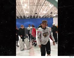 justin bieber hit the in canada on thanksgiving tmz