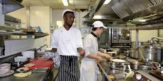cuisine 5 etoiles travailler dans le luxe dans les coulisses d un 5 étoiles au