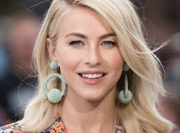 how to make your hair like julianne hough from rock of ages julianne hough s makeup artist reveals how to make your eyes pop