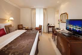 hotel geneve dans la chambre hôtel bristol ève hôtel de luxe à ève suisse