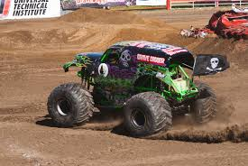 monster jam grave digger truck monster truck grave digger by brandonlee88 on deviantart