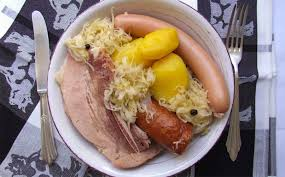 cuisiner la choucroute recette de boeuf à l alsacienne avec sa choucroute à la cocotte minute