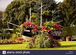 Flowers Glasgow - glasgow boat with flowers in pollok park gardens glasgow stock