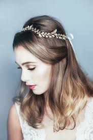 wedding hair accessories uk choosing your wedding hair accessories the blossoms collection