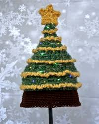 light me up christmas tree hat free crochet pattern