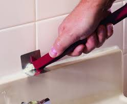 how to remove old caulk from your tub