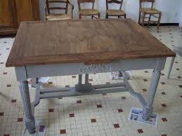 repeindre une table de cuisine en bois peindre une table en bois en blanc free tables de cuisine en bois