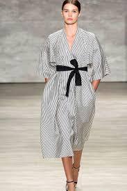the kimono a traditional and modern garment icon icon