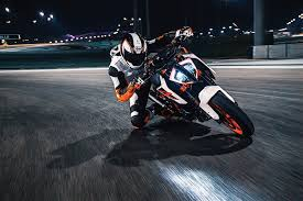 2017 ktm 1290 super duke r the beast reloaded autoevolution
