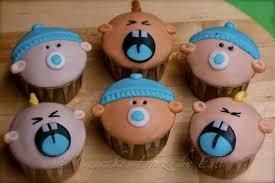 gift pull apart cupcake cakes