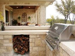 20 Outdoor Kitchen Design Ideas And Pictures by 20 Outdoor Kitchens And Grilling Stations Parlour Kitchens And