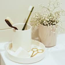 5 creative ways to add ceramic design to your home decor