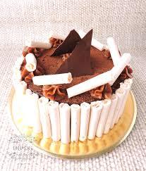 torta de chocolate con dulce de leche y merengue dulces bocados