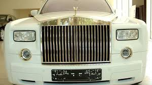 gold rolls royce gold trimmed armor plated rolls royce phantom only 8 1m roadshow