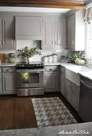 Grey Shaker Kitchen Cabinets by Best 25 Gray Kitchen Cabinets Ideas On Pinterest Grey Kitchen