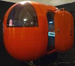 le de bureau orange 1969 le bureau gélule de alain charrier édité par les plastiques