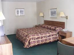 Heart Shaped Bed Frame by Great Lakes Inn Mackinaw City Michigan Affordable
