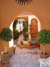 style courtyards best 25 courtyard ideas on house
