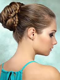 Frisuren Mittellange Haare Dutt by Dutt Mit Flechtelementen Mittellange Haare Dutt Und Hochsteckfrisur