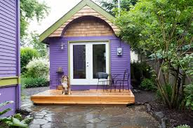 tiny home builders oregon 10 tiny log houses you can rent