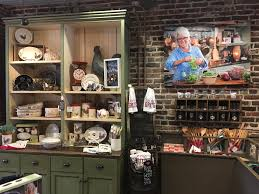 locations paula deen u0027s family kitchen