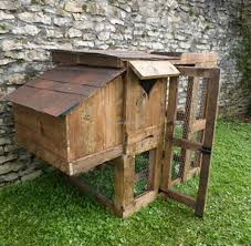 Rabbit Hutch From Pallets Chicken Coop Made Out Of Pallets Wooden Pallet Chicken House With